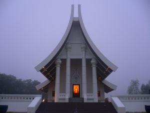 Pogreb po budistično