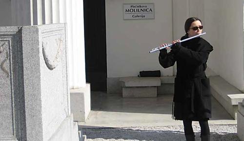 Glasba na pogrebih ni nujno, da je le žalostna; lahko je na primer tudi vesela in živahna.